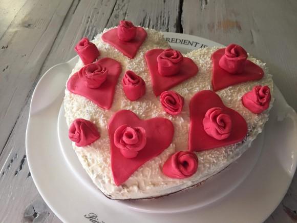 Betere Valentijns hartjes taart met velvet cake! - Kaat en Koken UZ-11